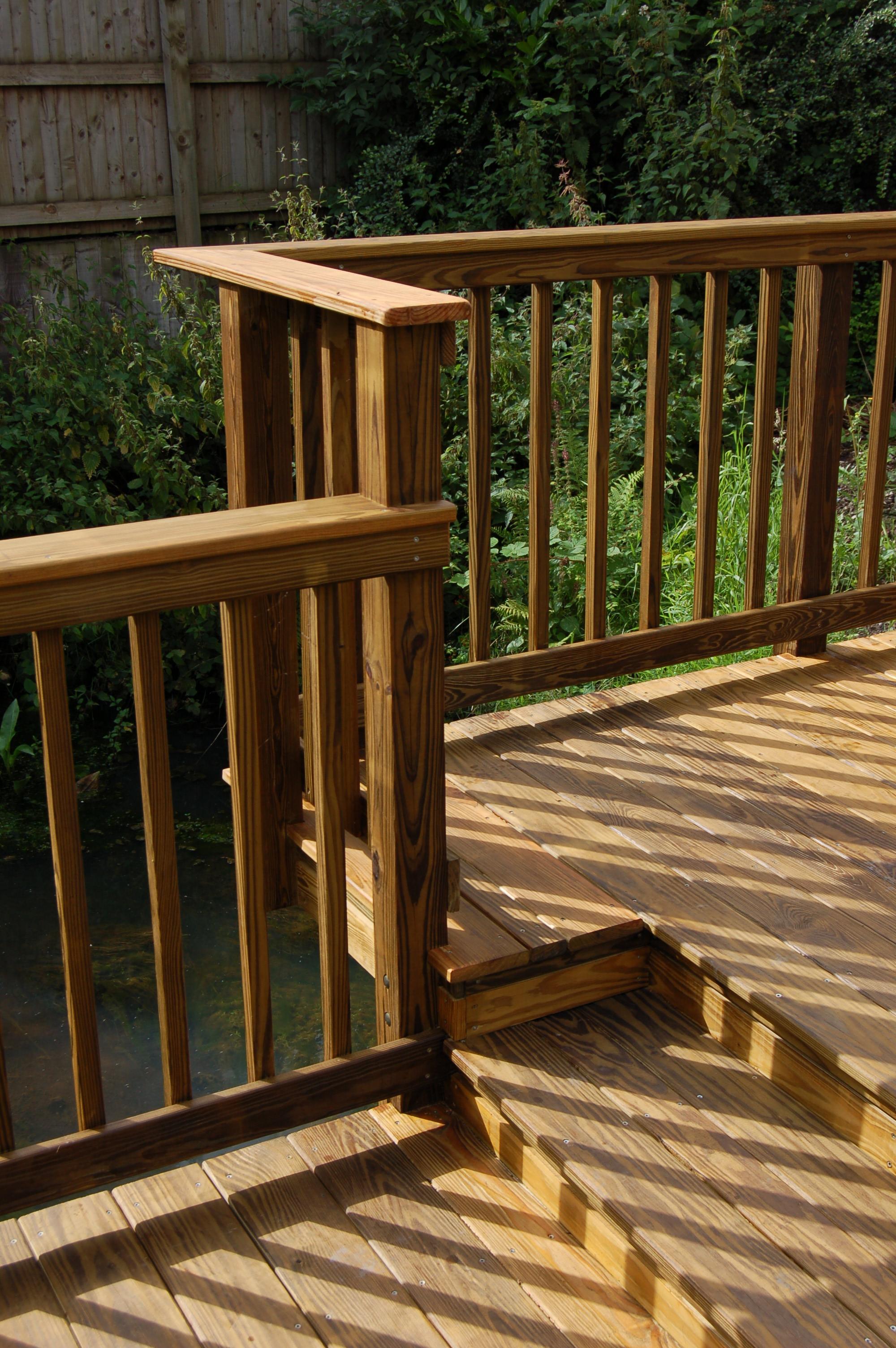 Post & spindle balustrade system